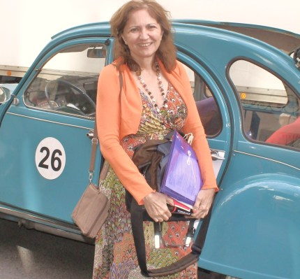Paris' 2CV tour.